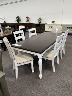 TWO TONED WOODEN DINING TABLE WITH CHAIRS for Sale in Upland, CA