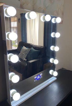 Vanity mirror with Bluetooth for Sale in Lakewood, CA