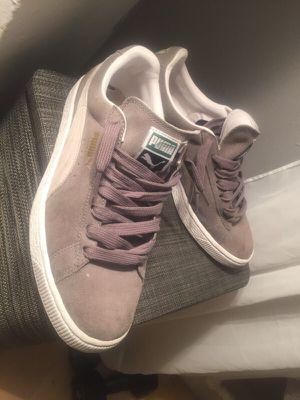 Pumas grey suede sz 9 for Sale in NJ, US