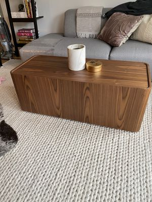 Like new coffee table w/storage for Sale in San Francisco, CA