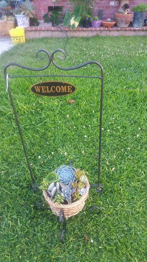 Plantero de bienvenida for Sale in Los Angeles, CA