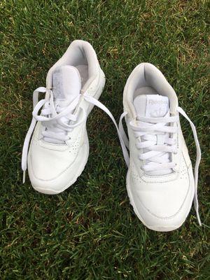 Reebok tennis shoe size 6 for Sale in Beaverton, OR