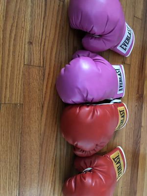 Everest boxing gloves for Sale in St. Louis, MO