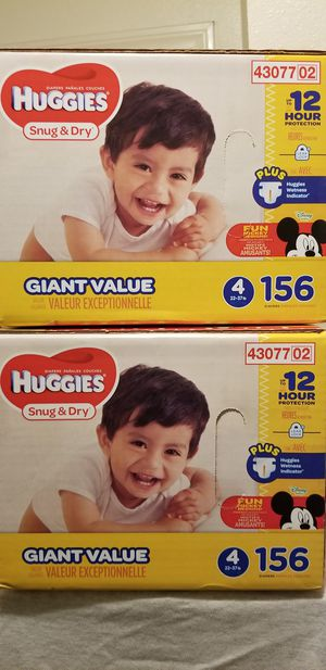 Huggies snug y dry size 4 156 daipers $32 each box firm price for Sale in Los Angeles, CA