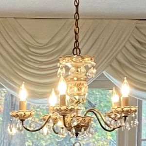 Vintage Chandelier for Sale in Johnston, RI