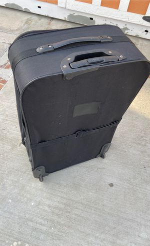 Black luggage in good shape for Sale in Corona, CA