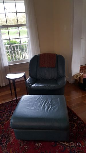 Leather swivel with ottoman. Lane for Sale in Brambleton, VA