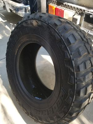 35x12R18 tire for Sale in Fresno, CA