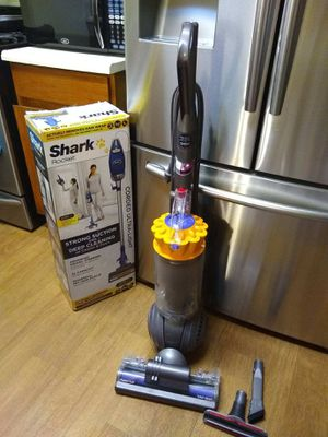 Dyson ball total clean for Sale in Gardena, CA
