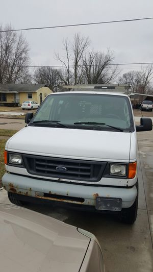2005 Ford E350 Cargo Econoline Extended V8 for Sale in Lorain, OH