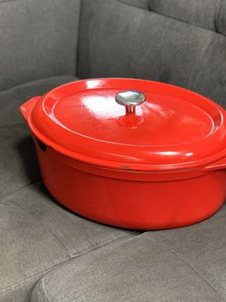 Cast Iron Dutch Oven Oval - Kirkland - Made In France - 8 QT for Sale in Portland,  OR