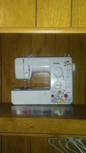 Sewing machine for Sale in Okolona, MS