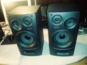Pair of Sony 3-way 100 watt bookshelf speakers for Sale in Bradenton, FL