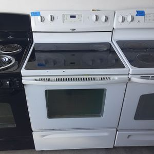 Whirlpool Glass top Electric Stove for Sale in Modesto, CA