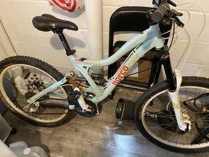 """2009 norco vixa. Women's mountain bike. Small. Great beginner mountain bike. 26"""" wheels. Aluminum frame. for Sale in Fairfax, VA"""
