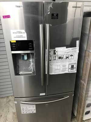 """New Samsung stainless steel french door 33"""" wide apartment size refrigerator for Sale in Carlsbad, CA"""