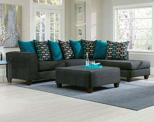 Big Boy Watson 2pc sectional take home for 💰💰$50💰💰 for Sale in St. Louis,  MO