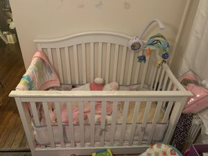 Crib and matching changing table for Sale in Queens, NY