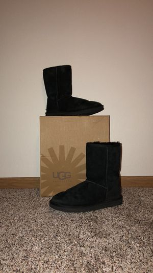 Classic short black uggs for Sale in Waynesville, MO