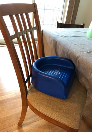 Kids booster seat for dining table for Sale in New Providence, NJ