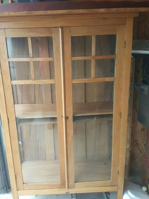 ANTIQUE MAPLE DISPLAY CABINET for Sale in Newark, OH