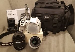Pentax K S2 DSLR Camera White w/ 18-50mm & 50-200mm Lenses & Accessories for Sale in Milford, DE