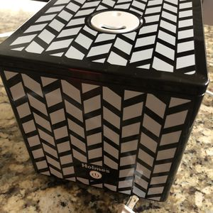 "7""x7"" Cube Humidifier (never Used) for Sale in Huntington Beach, CA"