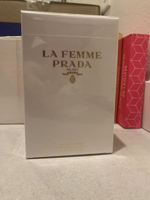 Prada la femme perfume 3.4oz for Sale in Mukilteo, WA