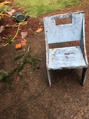 FREE. Wooden chair for child. Needs some tlc for Sale in Eugene, OR