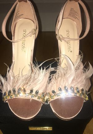 Shoe Dazzle Pink Feather Heels size 6.5 (6 1/2) for Sale in Sterling, VA