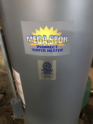 Mega Stor 40 gallon electric water heater for Sale in Saugus, MA