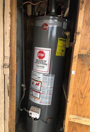 Rheem gas water heater 29g for Sale in Bloomington, CA