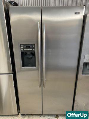 Side by Side Refrigerator Fridge GE 36 in. Wide #1265 for Sale in Melbourne, FL