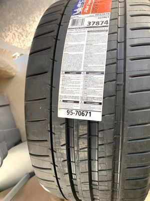 Michelin Tires (2) for Sale in Las Vegas, NV