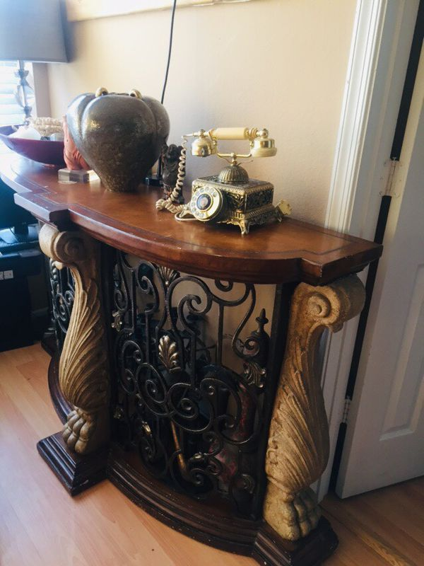 Vintage Accent Table/Bar/Tv Stand
