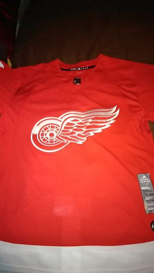 Adidas Authentic Redwing Jersey for Sale in Detroit, MI