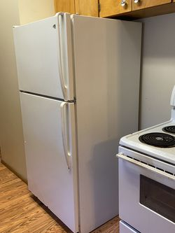 Refrigerator for Sale in Federal Way,  WA