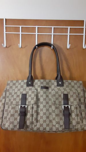 Gorgeous Gucci bag, 100% authentic. 21 in x 9 3/4 in. for Sale in Seattle, WA