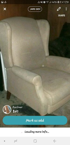 COMFY RECLINER for Sale in Dover, TN