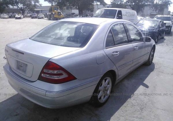 Mercedes C240,2003. For parts only