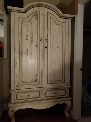 Real wood wardrobe for Sale in Weston, FL