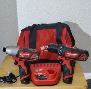 Milwaukee M12 12-Volt Lithium-Ion Cordless Drill Driver/Impact Driver Combo Kit (2-Tool) w/(2) 1.5Ah Batteries, Charger, Tool Bag for Sale in Phoenix, AZ