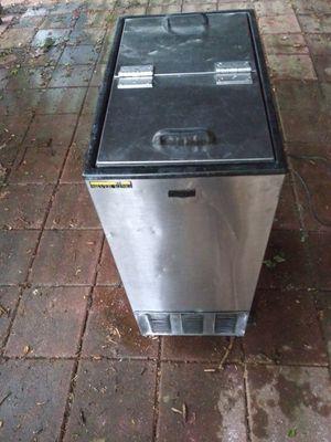 Silver King I e Cream Freezer for Sale in Sugar Hill, GA