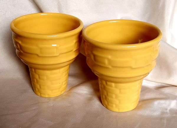 Longaberger Pottery Woven Traditions Butternut Ice Cream Dishes