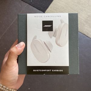 Bose QuietComfort Noise Cancelling Earbuds (Soapstone) for Sale in San Diego, CA
