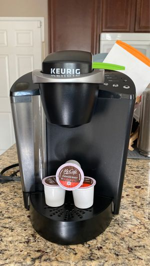 Keurig coffee maker for Sale in Moreno Valley, CA