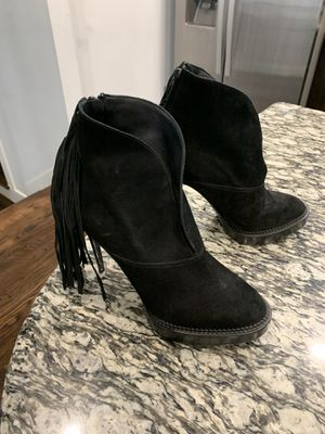 Burberry boots size 10 black for Sale in Houston, TX