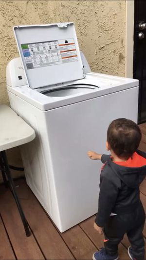 Kenmore Washer 3.5 - cu feet ENERGY & WATER Efficient for Sale in Palmdale, CA