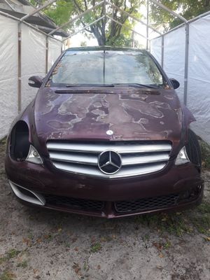 Mercedes Benz for parts for Sale in Miami Gardens, FL