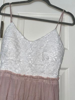 White and pink maxi dress size L new never used for Sale in Scottsdale, AZ